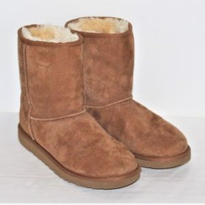 LADIES UGG BOOTS - SIZE 5